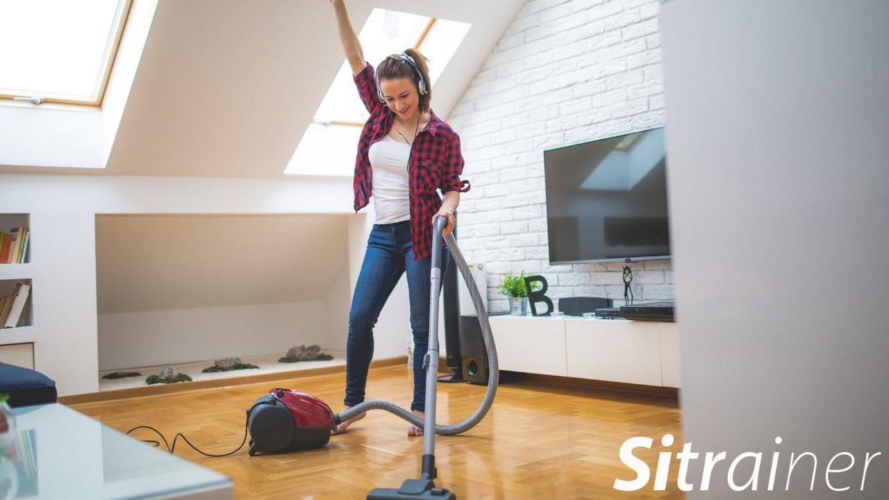 limpiar en casa con musica